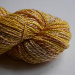 écheveau de laine BFL et soie teint et filé à la main