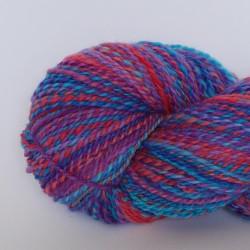 écheveau de laine shetland teint et filé à la main